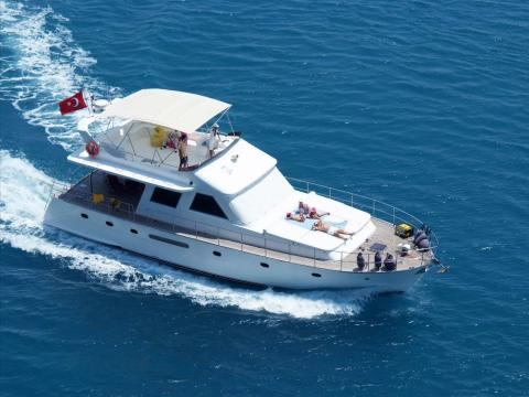 private day motor yacht trips